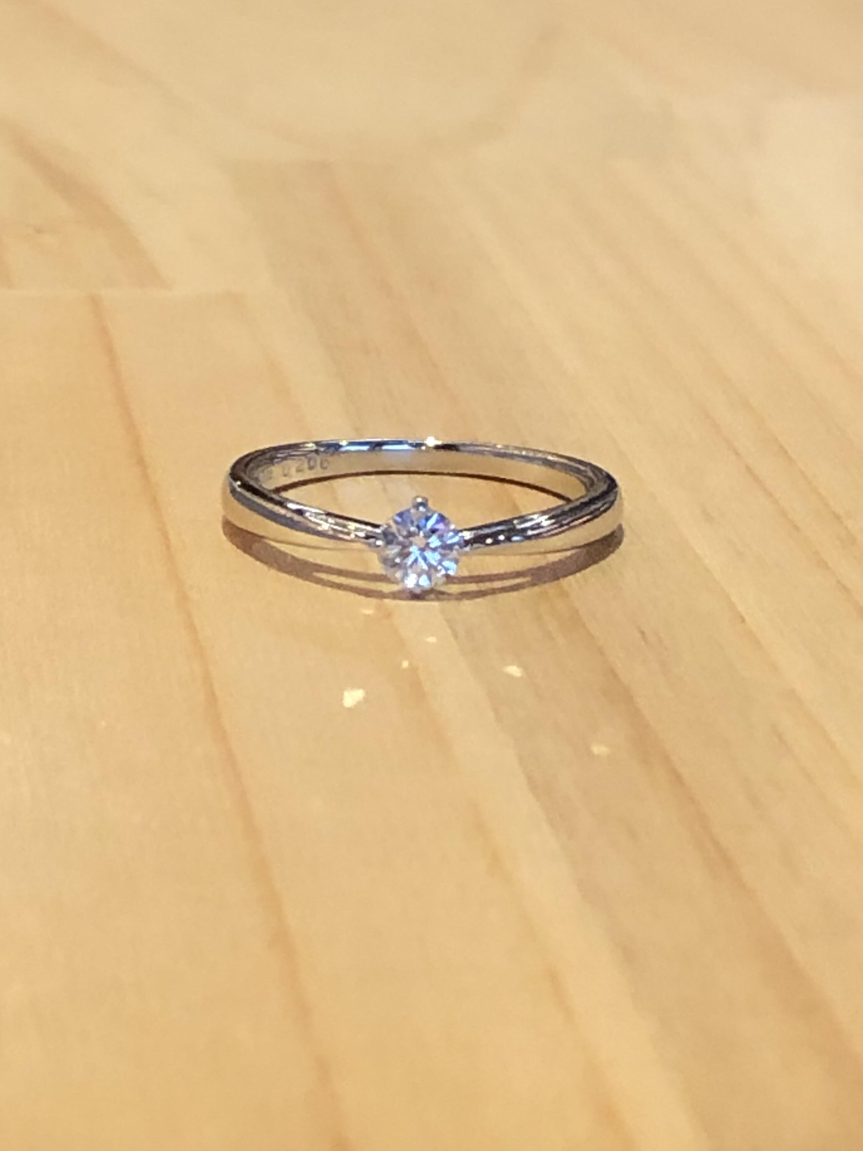 婚約指輪ストレートタイプ