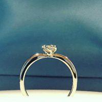 婚約指輪フラワーリング