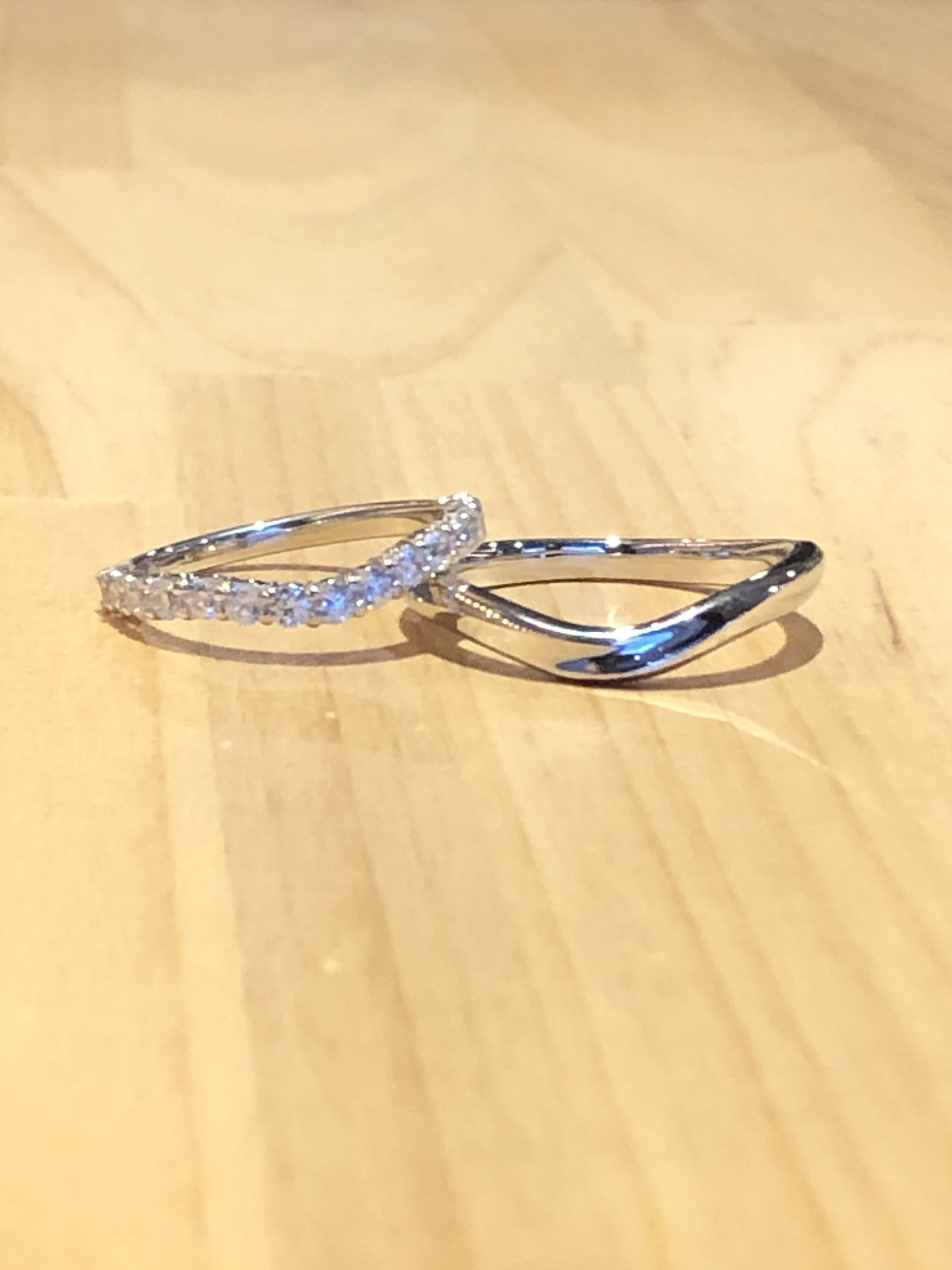 結婚指輪V型エタニティリング